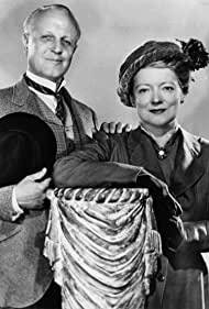 Judson Laire and Peggy Wood in Mama (1949)