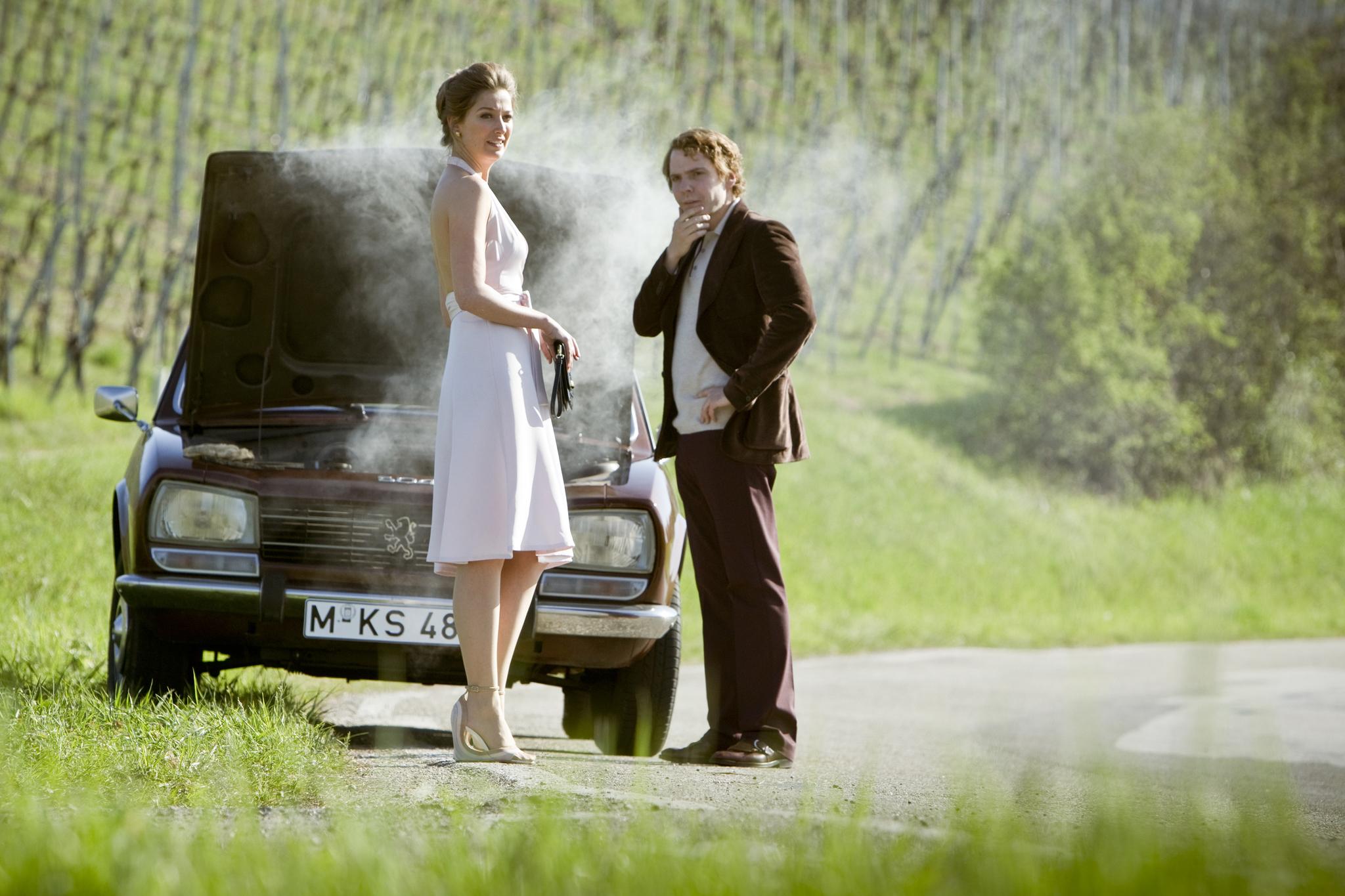 Daniel Brühl and Alexandra Maria Lara in Rush (2013)