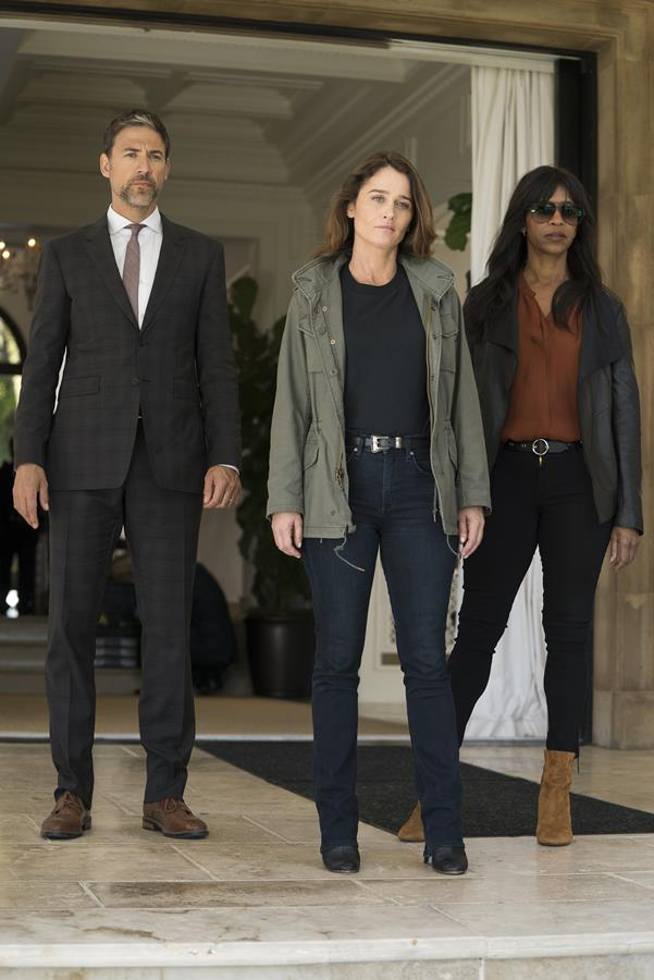 Robin Tunney, Merrin Dungey, and Adam Rayner in The Fix (2019)