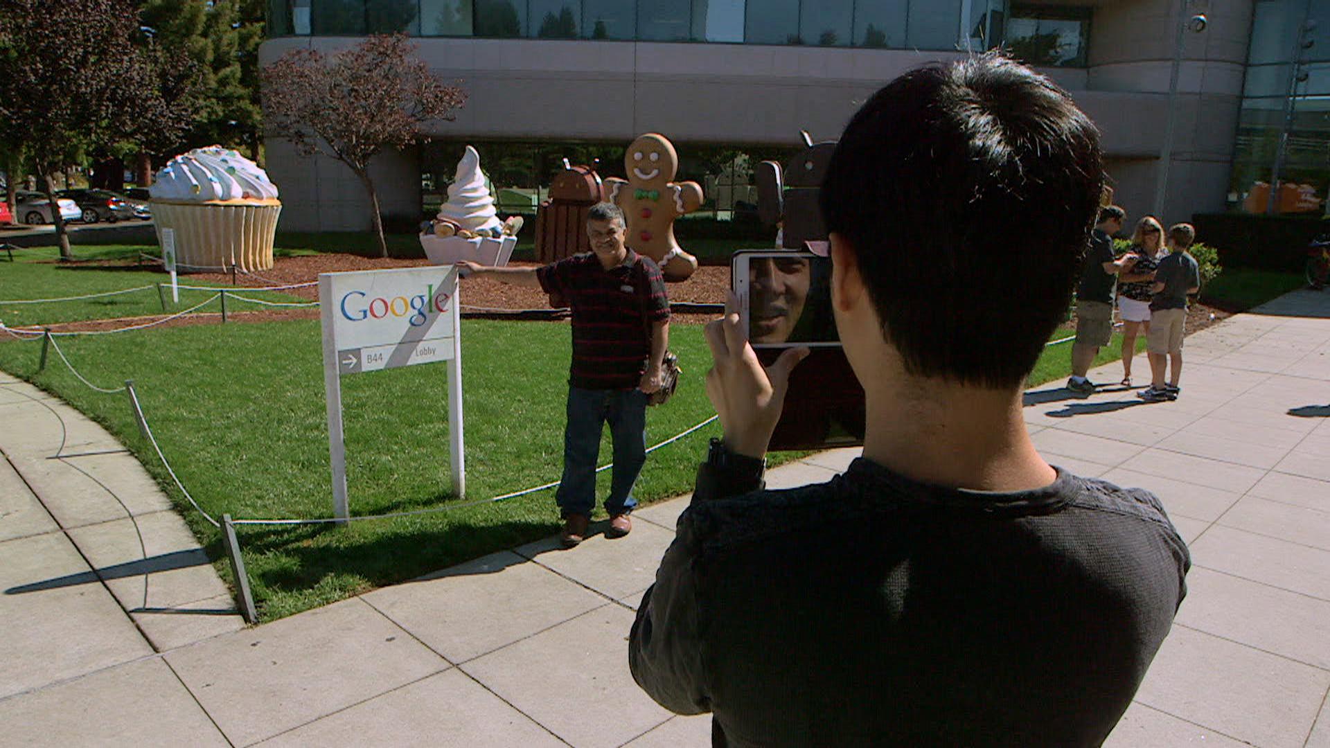 The Hidden Face of the Silicon Valley (2015)