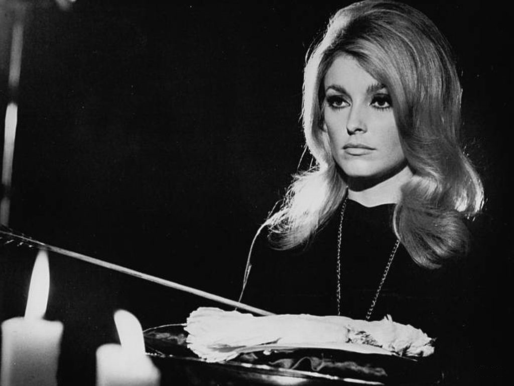 Sharon Tate in Eye of the Devil (1967)