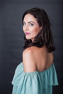 Laura Owen Picture