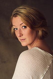 Julia McIlvaine Picture
