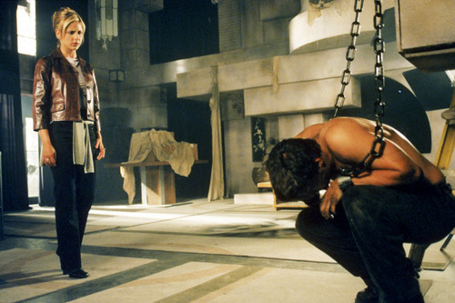 Sarah Michelle Gellar and David Boreanaz in Buffy the Vampire Slayer (1996)