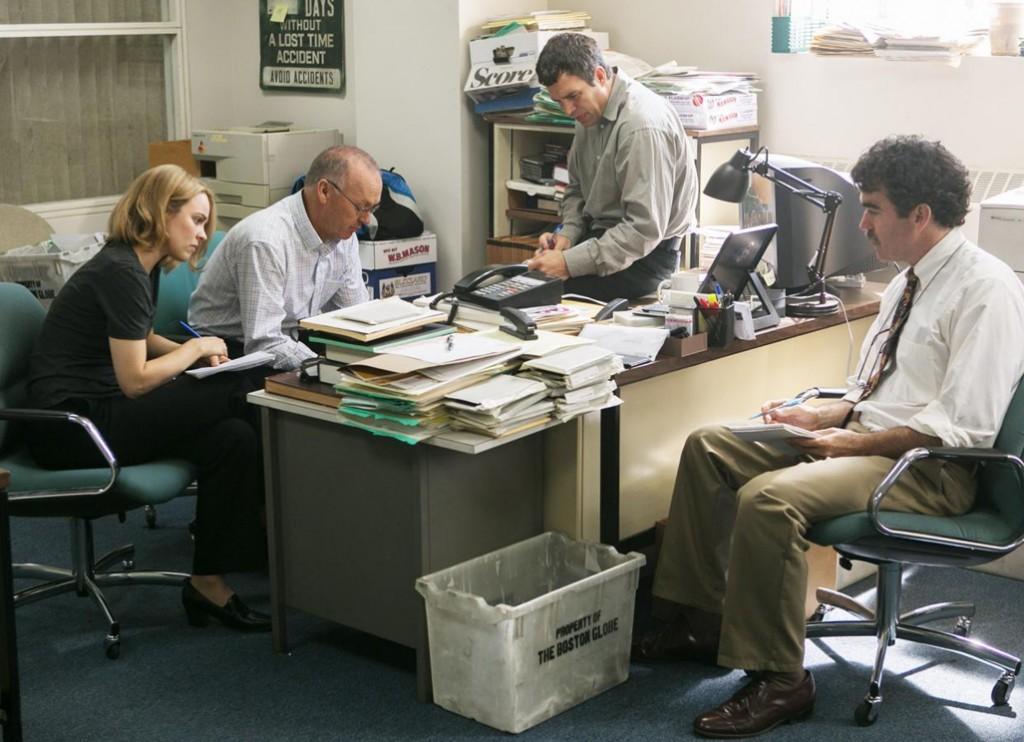 Michael Keaton, Brian d'Arcy James, Mark Ruffalo, and Rachel McAdams in Spotlight (2015)