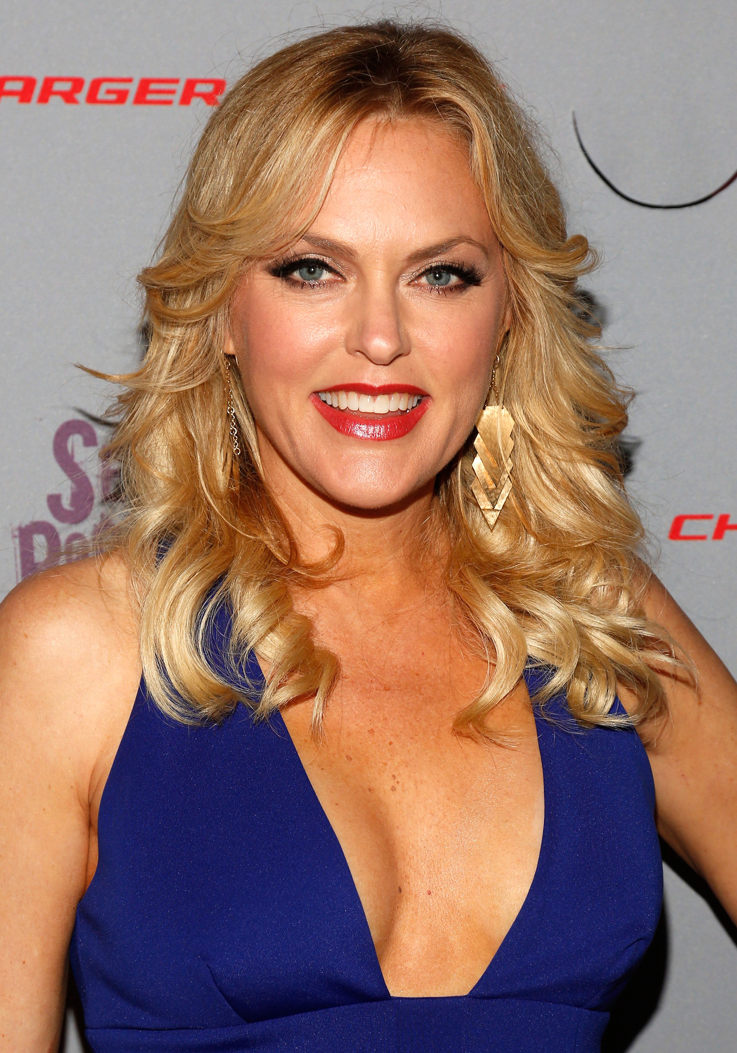 Elaine Hendrix at an event for Sex & Drugs & Rock & Roll (2015)