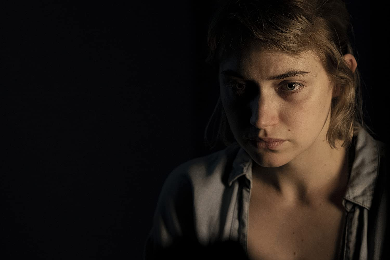 Imogen Poots a Vivariumban (2019)