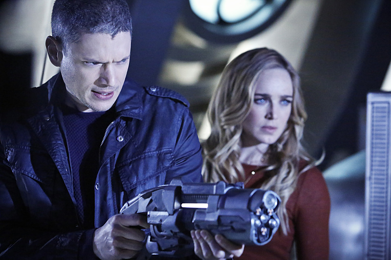 Wentworth Miller and Caity Lotz in Legends of Tomorrow (2016)
