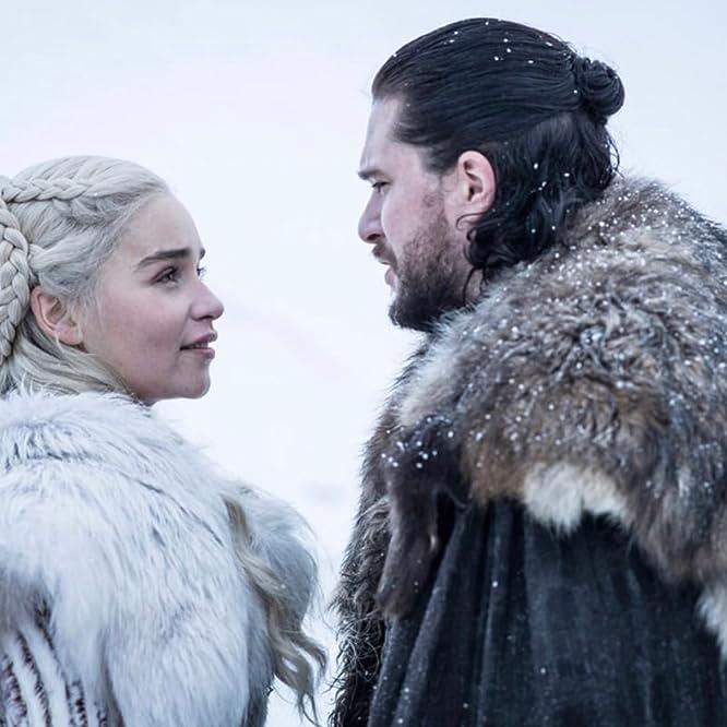 Kit Harington and Emilia Clarke in Game of Thrones (2011)