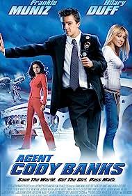Angie Harmon, Frankie Muniz, and Hilary Duff in Agent Cody Banks (2003)