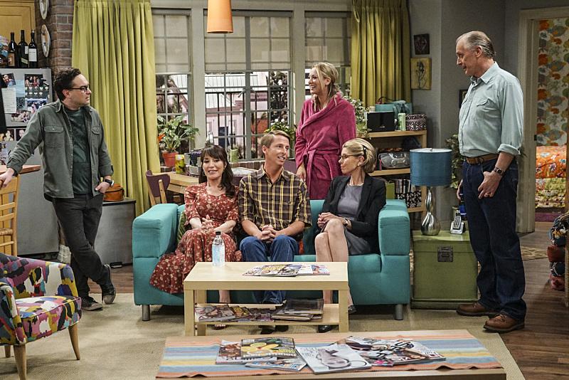 Keith Carradine, Christine Baranski, Katey Sagal, Kaley Cuoco, Johnny Galecki, and Jack McBrayer in The Big Bang Theory (2007)