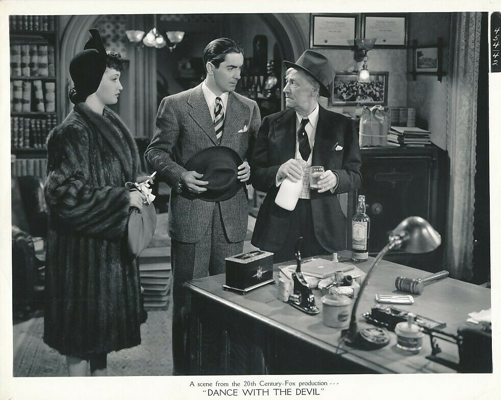 Tyrone Power, Charley Grapewin, and Dorothy Lamour in Johnny Apollo (1940)