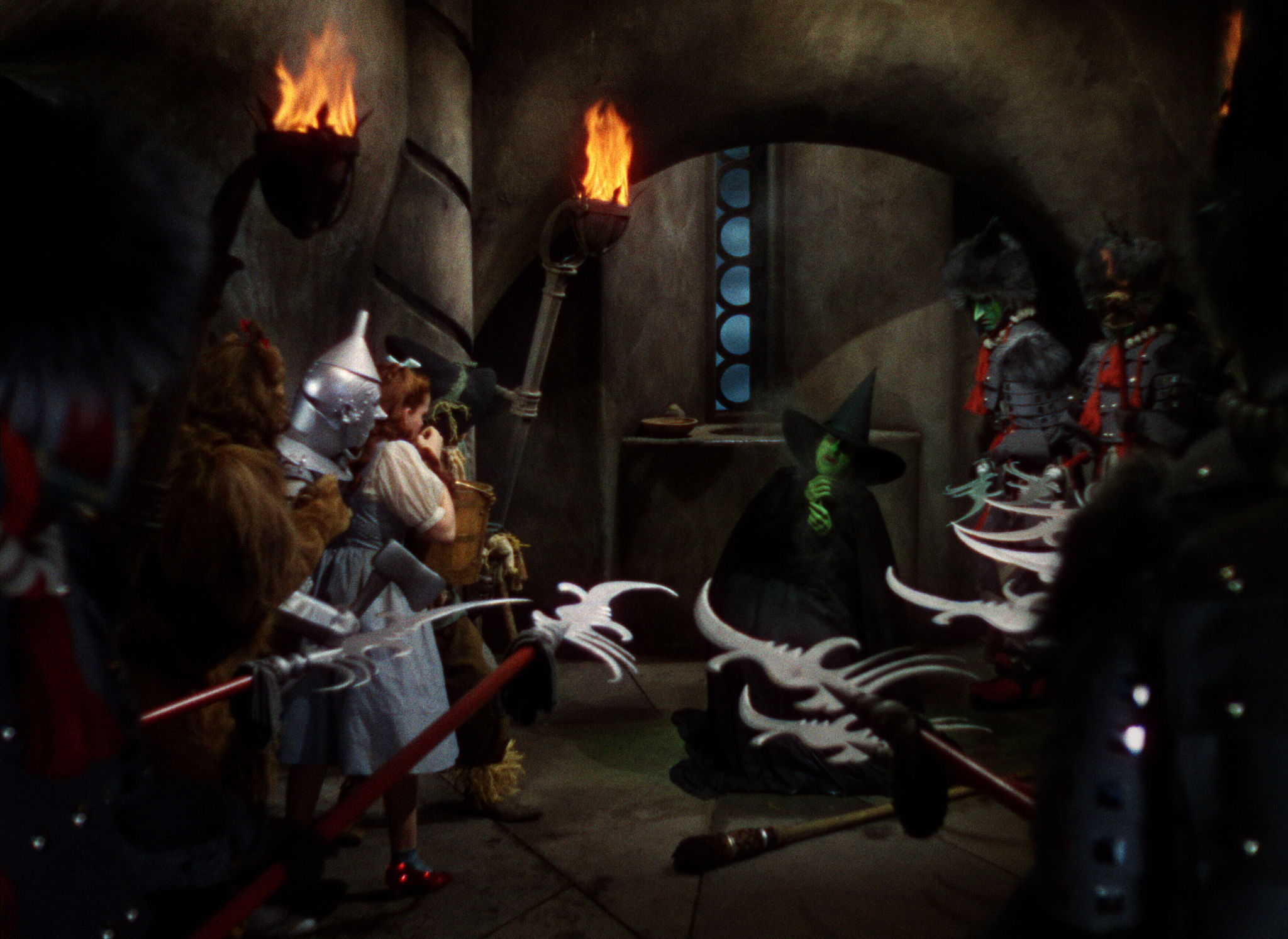 Judy Garland, Ray Bolger, Margaret Hamilton, Jack Haley, and Bert Lahr in The Wizard of Oz (1939)