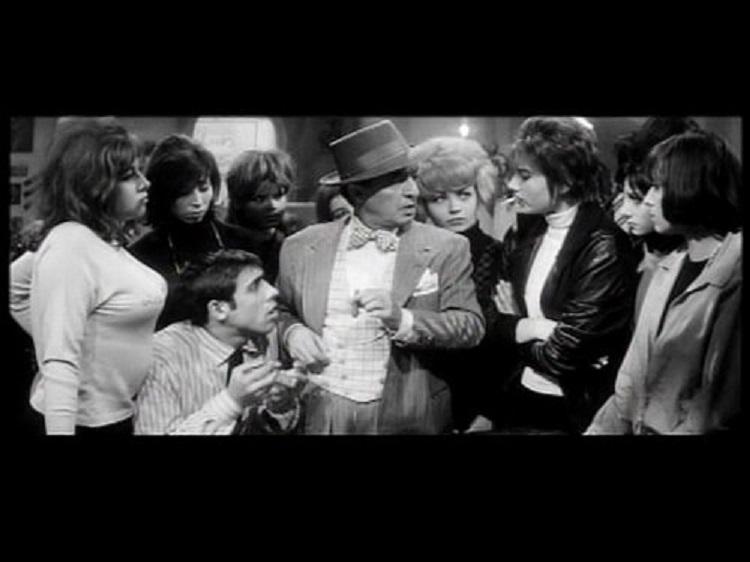 Adriano Celentano in Uno strano tipo (1963)