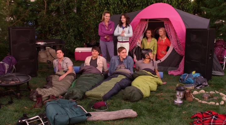 Kendall Schmidt, Erin Sanders, Katelyn Tarver, Carlos PenaVega, Savannah Jayde, Kelli Goss, James Maslow, and Logan Henderson in Big Time Rush (2009)