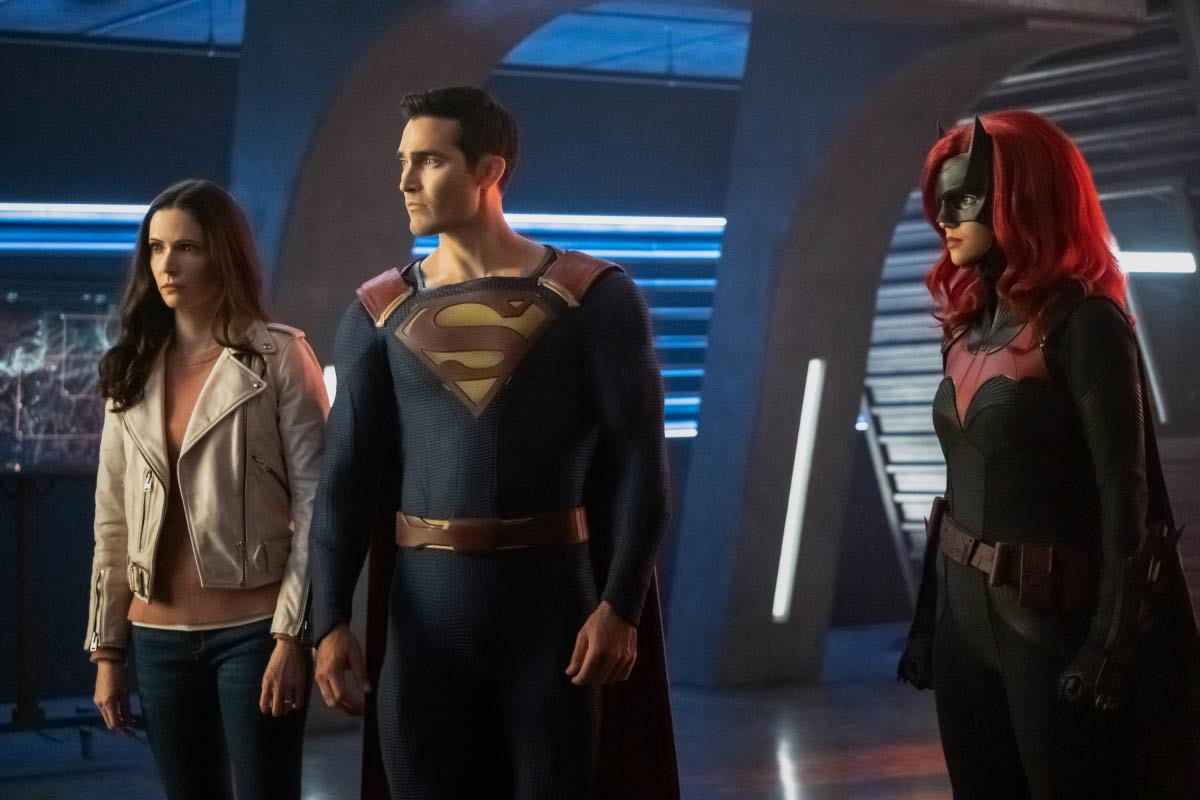 Tyler Hoechlin, Elizabeth Tulloch, and Ruby Rose in Supergirl (2015)