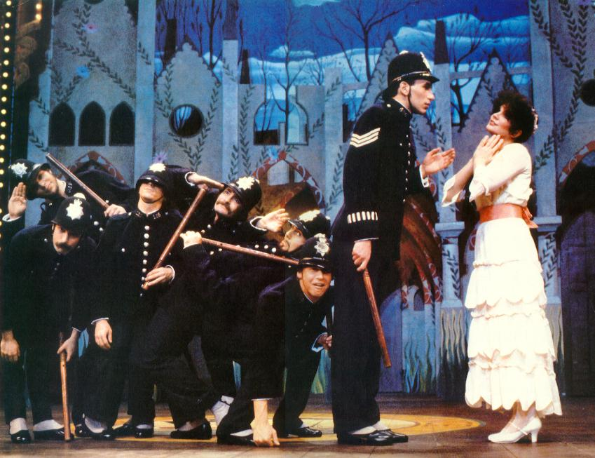 watch the pirates of penzance 1983 online free