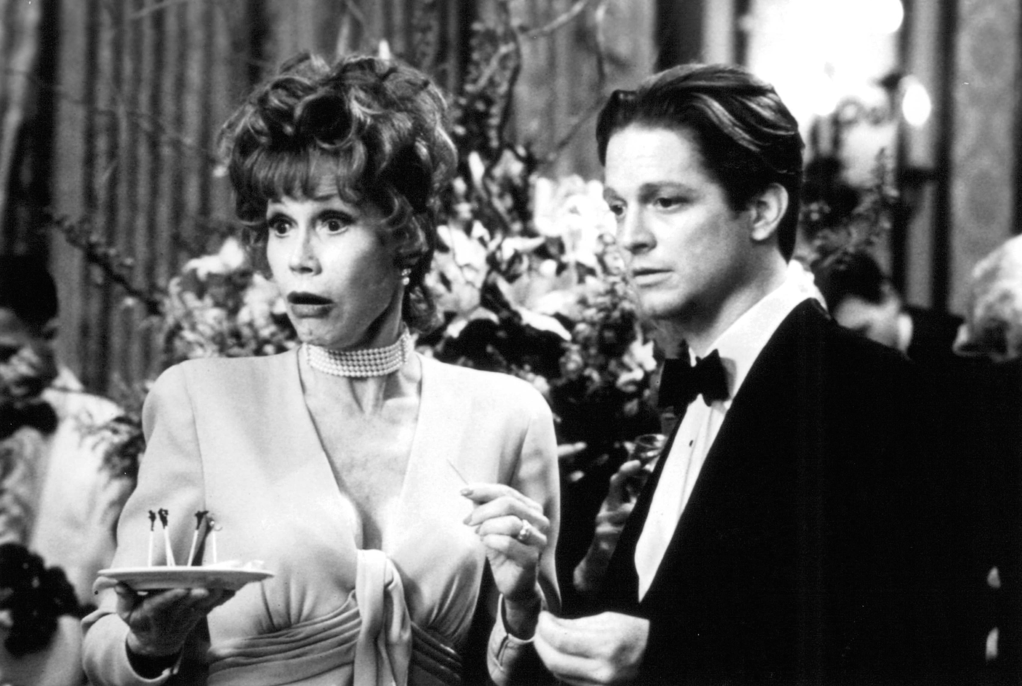 Eric Stoltz and Mary Tyler Moore in Keys to Tulsa (1997)