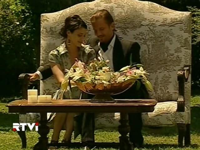 Facundo Arana and Mónica Antonópulos in Vidas robadas (2008)