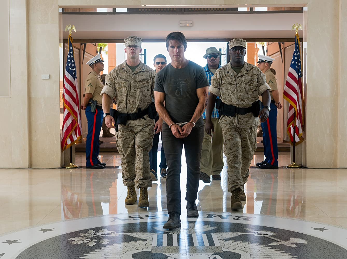 Tom Cruise, Ving Rhames, Jeremy Renner, and Vauxhall Jermaine in Mission: Impossible - Rogue Nation (2015)