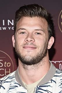 The 27-year old son of father (?) and mother(?) Jimmy Tatro in 2019 photo. Jimmy Tatro earned a 0.6 million dollar salary - leaving the net worth at 2 million in 2019