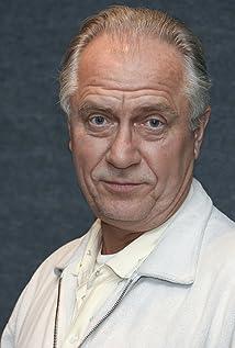 László Áron Picture
