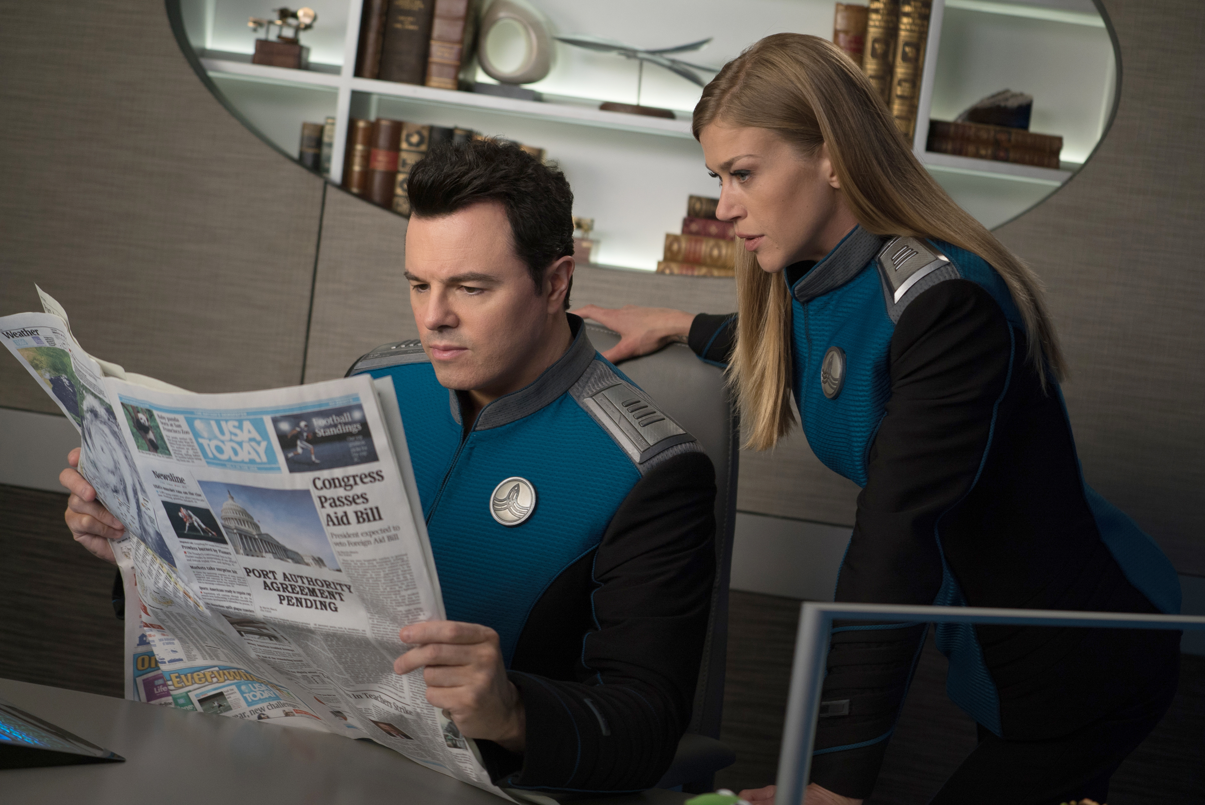 Seth MacFarlane and Adrianne Palicki in The Orville (2017)