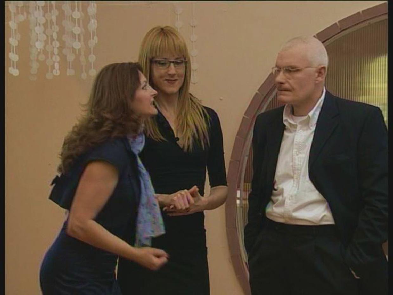 Dragan Petrovic-Pele, Branka Pujic, and Iva Strljic in Ljubav i moda: Eurostikla (2009)
