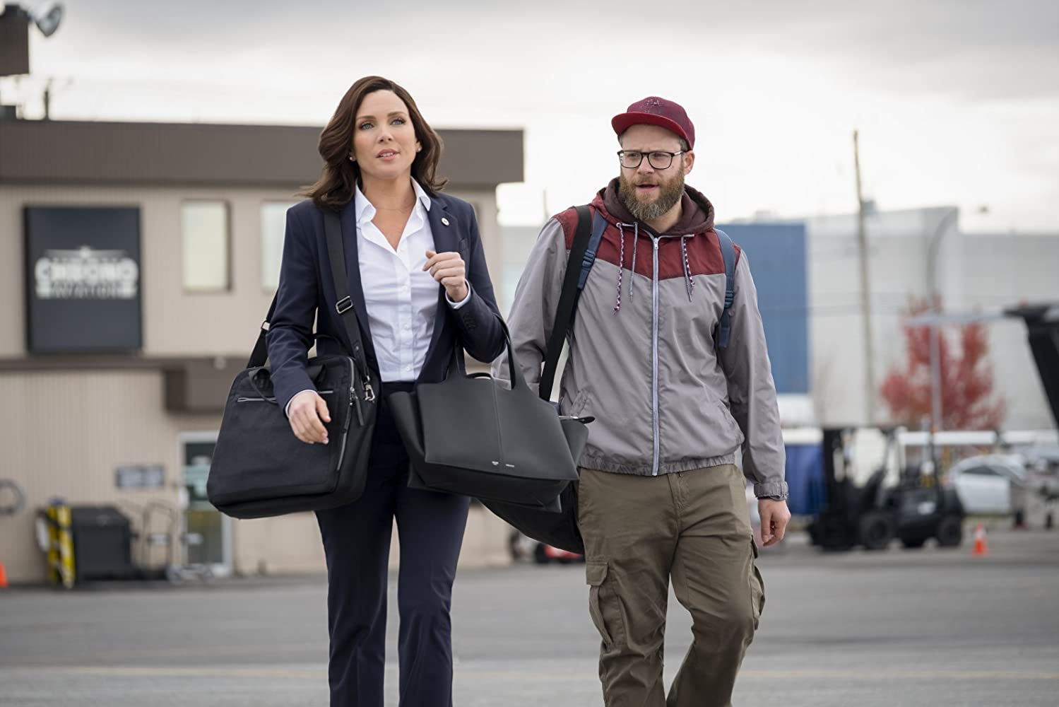 Seth Rogen and June Diane Raphael in Long Shot (2019)