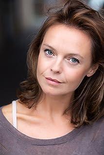 Tori Butler-Hart Picture