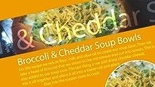 Tazones de sopa de brócoli y queso cheddar