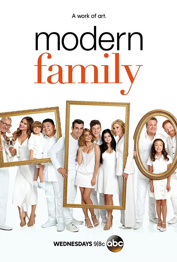 Sofía Vergara, Julie Bowen, Ty Burrell, Jesse Tyler Ferguson, Sarah Hyland, Ed O'Neill, Eric Stonestreet, Ariel Winter, Nolan Gould, Rico Rodriguez, Aubrey Anderson-Emmons, and Jeremy Maguire in Modern Family (2009)
