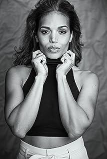 Ciara Renée Picture
