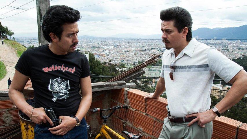 Jorge A. Jimenez and Ariel Sierra in Narcos (2015)