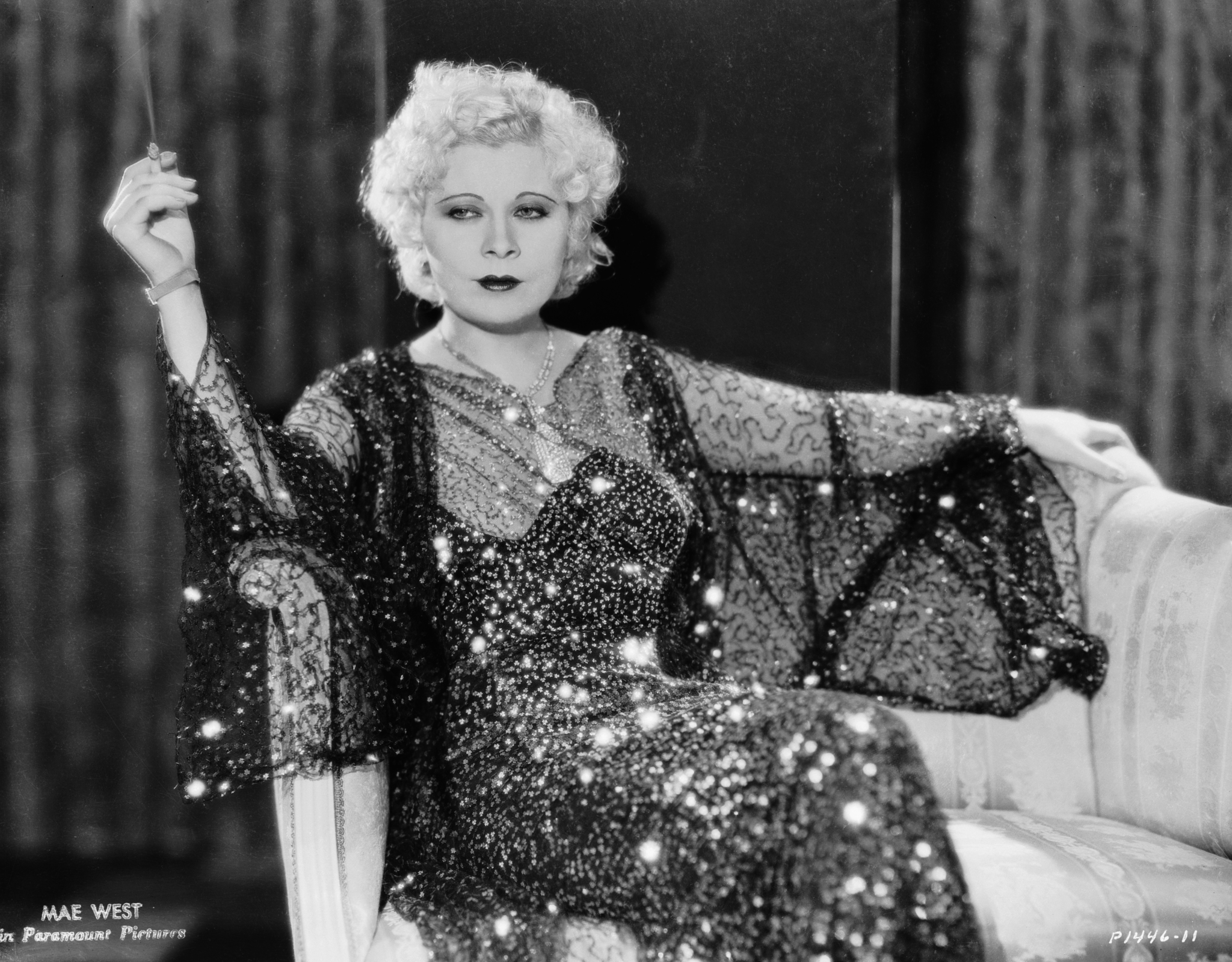 Mae West in Night After Night (1932)