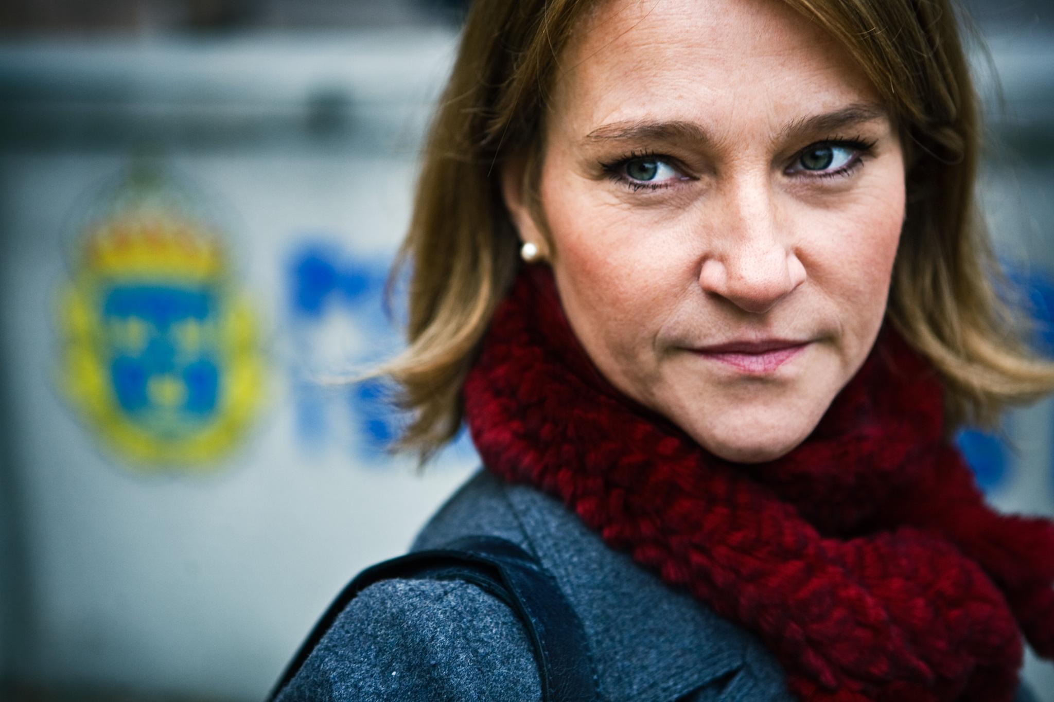 Annika Hallin in Luftslottet som sprängdes (2009)