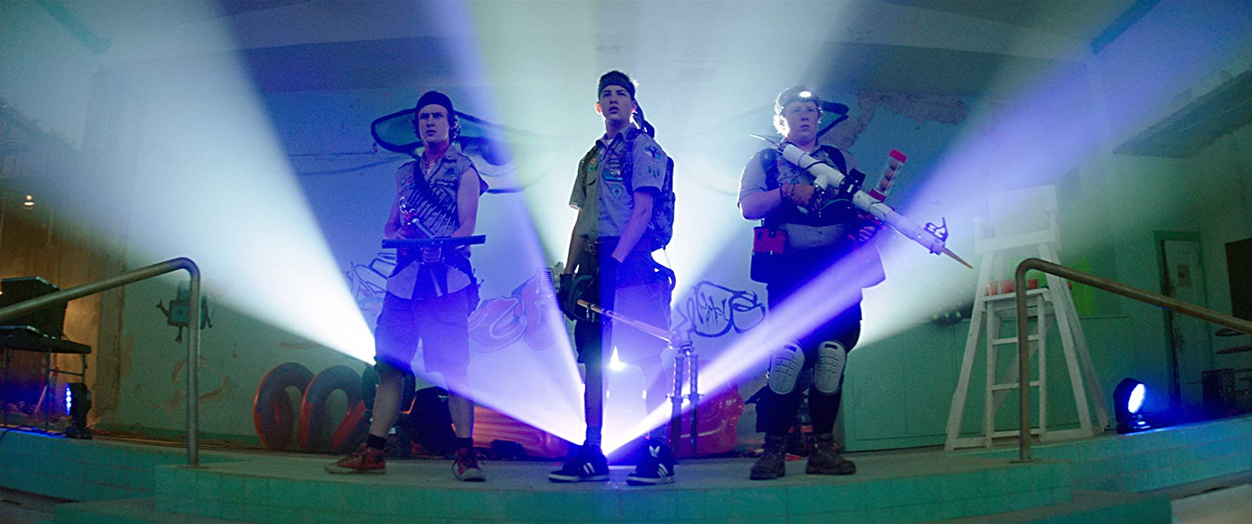 Logan Miller, Tye Sheridan, and Joey Morgan in Scouts Guide to the Zombie Apocalypse (2015)