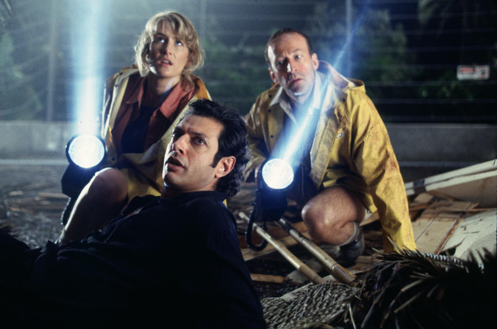 Jeff Goldblum, Laura Dern, and Bob Peck in Jurassic Park (1993)