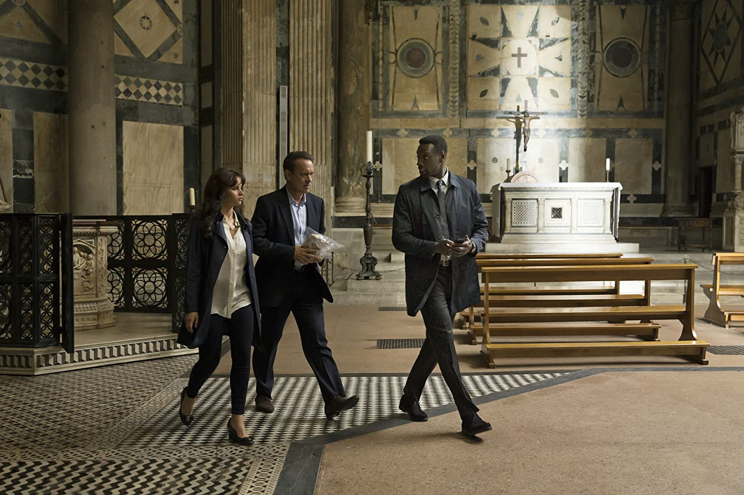 Tom Hanks, Felicity Jones, and Omar Sy in Inferno (2016)