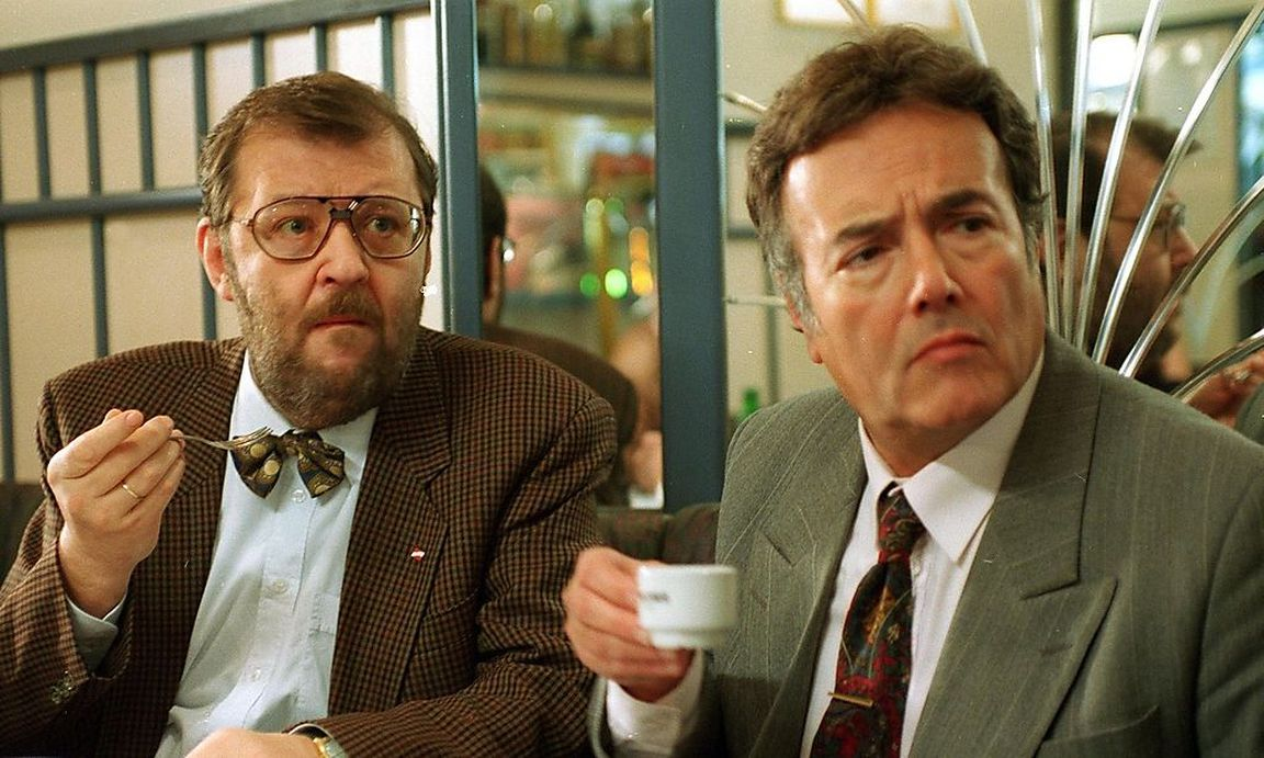 Peter Fröhlich and Götz Kauffmann in Kaisermühlen Blues (1992)
