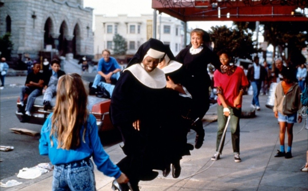 Whoopi Goldberg and Wendy Makkena in Sister Act (1992)