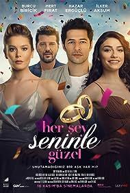 Ilker Aksum, Mert Firat, Hazar Ergüçlü, and Burcu Biricik in Her Sey Seninle Güzel (2018)