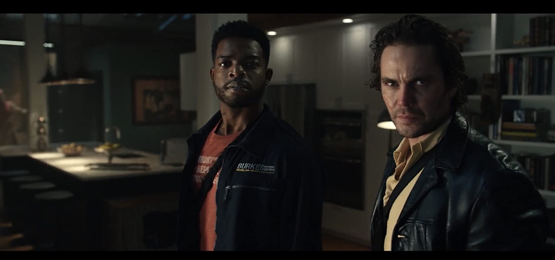 Taylor Kitsch and Stephan James in 21 Bridges (2019)