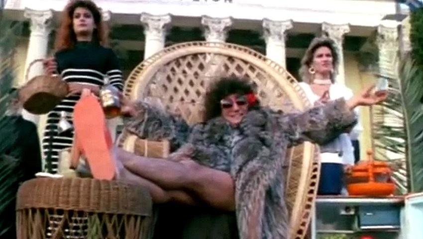 Harry Klynn in Made in Greece (1987)