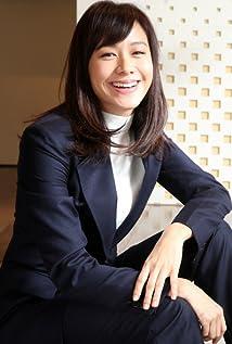 Karena Kar-Yan Lam Picture