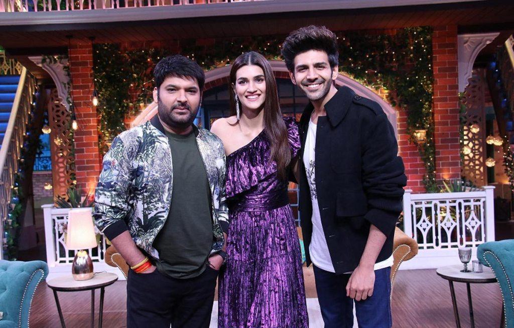 Kartik Aaryan, Kriti Sanon, and Kapil Sharma in The Kapil Sharma Show (2016)