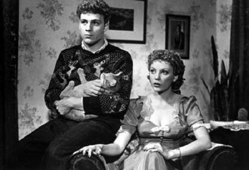Serge Dupire and Anne Létourneau in Les Plouffe (1981)