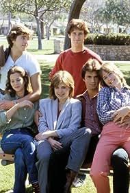 Linda Hamilton, Lorenzo Lamas, Doran Clark, Linda Grovenor, Jim Youngs, and Daniel Zippi in Secrets of Midland Heights (1980)