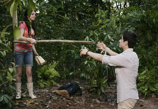 David Henrie and Selena Gomez in Wizards of Waverly Place: The Movie (2009)