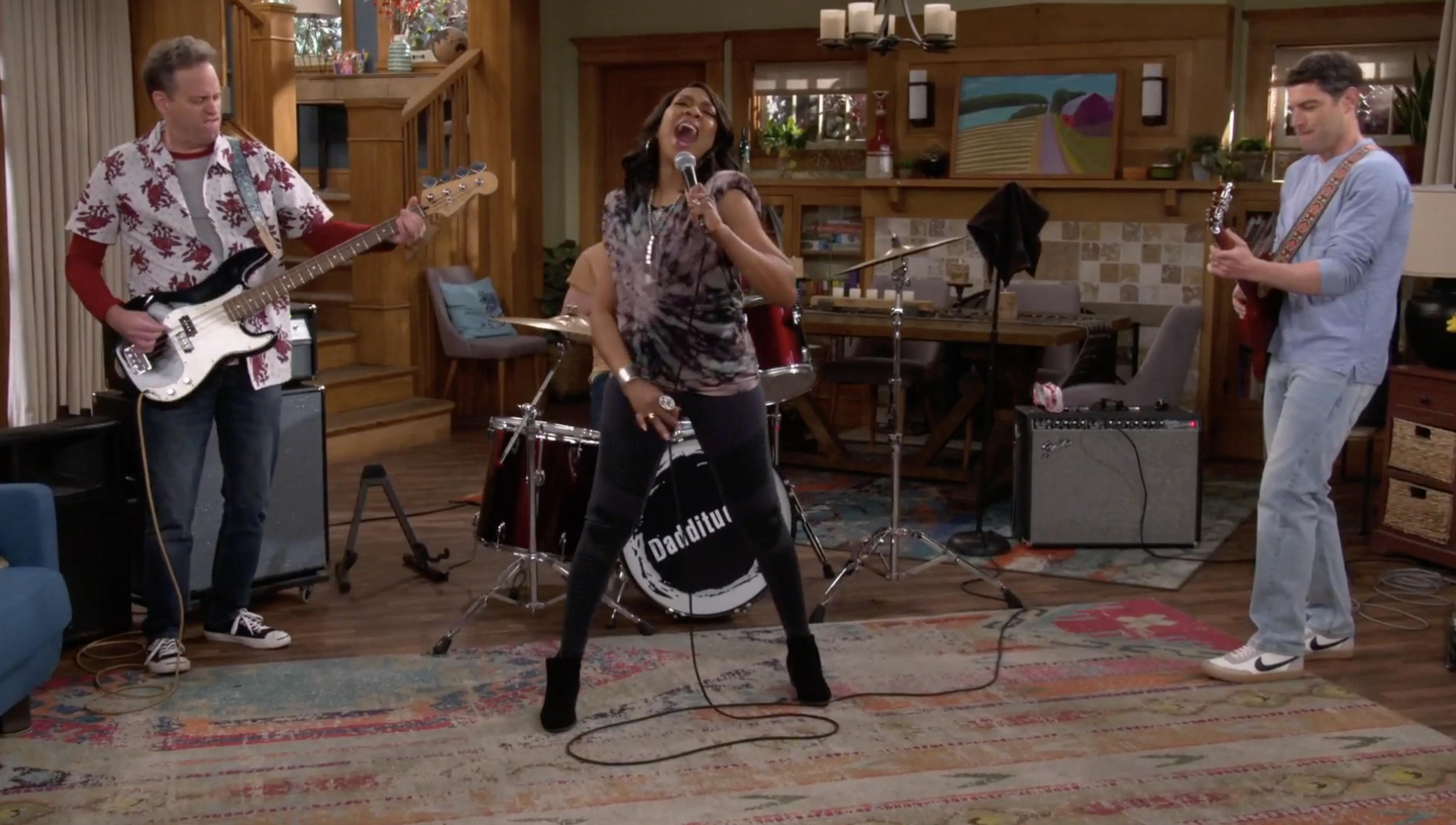"THE NEIGHBORHOOD - ""Welcome to the Dad Band"""